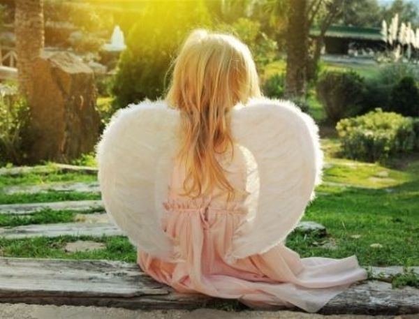 Картина по номерам 22х30 «Задумчивый ангел»