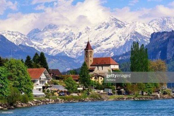 Картина по номерам 30х40 «Красивый замок в горах»