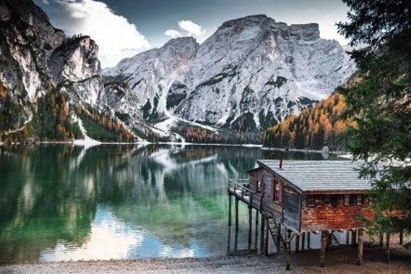 Картина по номерам 30х40 «Дом у заснеженных гор»